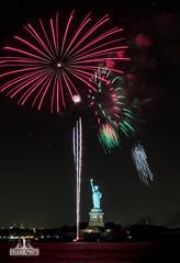 3I6A0262 (bkrieger02) Tags: fireworks statueofliberty hudsonriver nyc newyorkcity manhattan fireworksphotography nightphotography longexposure libertyisland canon canonusa teamcanon 7dmkii brooklyn louisvalentinopark redhook