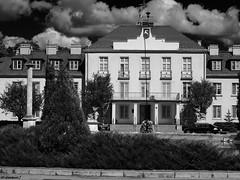 The Palace in Kozienice (Black & White Version) (darkadi1) Tags: olympus mzuiko m45mm pen epl6 paac palace park complex kozienice mazowieckie poland polska europa europe paackozienicki