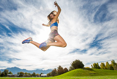 Sunny jump (Flickr_Rick) Tags: outside autumn athletic woman brunette jump jumping jumpology sun mountains