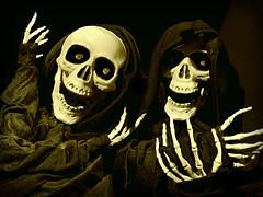 Happy Skeletons (Bennilover) Tags: scary halloween rogersgardens skeletons dancing dark fright display grinning skeleton spooky