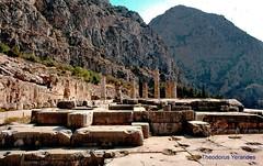 Temple of Apollo at Delphi (teogera) Tags: hellas greece delphoi delfi temple apollo contax 159mm carlzeiss distagon f2825mm kodak kodachrome 200asa archaeology archaeological