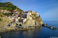 Manarola, Cinque Terre Italy (arjendebok) Tags: manarola cinque terre italie italy nikon d5100 arjendebok arjen de bok riomaggiore corniglia vernazza al mare tuscany toscane sea unesco sun vacation europe