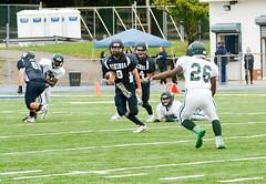 Quarterback keeper (Frankie Photo's) Tags: staten island stjosephbythesea freshmanfootball ny