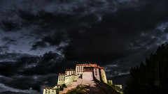 Tibet, the Potala palace at dusk (Lhasa, China), 06-2016, 10 (Vlad Meytin, vladsm.com) (Vlad Meytin | Instagram: vmwelt) Tags: pictures china old sky mountain building brick castle rock clouds temple photography asia traditional hill chinese palace tibet monastery tibetan  lhasa potala   potalapalace  chengguan   khimporiumco meytin vladmeytin vladsm vladsmcom