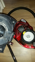 Morphy Richards hoover. The lid is broken (Carol B London) Tags: hover hoover vacuum vacum broek broken fault faulty