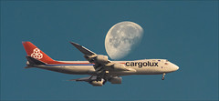 Cargolux B748F (MEX) (ruimc77) Tags: nikon d810 nikkor af 300mm f4 edif cargolux b748f ciudad mxico df mexico aicm mex mmmx international airport boeing 7478r7f lxvcc 747 b747 748 b748 747f b747f cargo carga 747800 747800f b747800 b747800f luna lua moon airplane aircraft landing flight voo vuelo pano panorana ifed