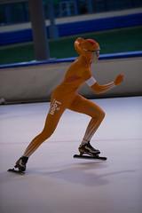 A37W7216 (rieshug 1) Tags: speedskating schaatsen eisschnelllauf skating nkjunioren knsb nkjuniorenallroundafstanden afstanden allround 50010001500massstart demeent alkmaar sportcomplexdemeent juniorenc ladies dames 500m