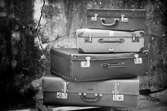 Il viaggio pi bello si fa portando un solo bagaglio... il cuore (darienzolibero) Tags: valigiadicartone valigia viaggio fujixt10 fuji biancoenero street