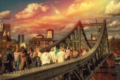 Eiserner Steg... (hobbit68) Tags: sky wolken clouds himmel frankfurt sonne outdoor old canon main wasser brücken gebäude sonnenschein alt bridge steg sunset haus fluss
