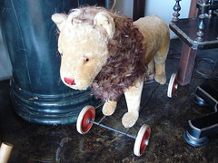 """STEIFF GROWLER PULL LION TOY. • <a style=""""font-size:0.8em;"""" href=""""http://www.flickr.com/photos/51721355@N02/30252495086/"""" target=""""_blank"""">View on Flickr</a>"""