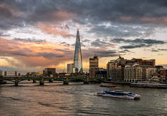 An evening by the Thames (Starman_1969) Tags: bridge bus canary london picadilly shard thames trafalgar wharf