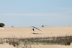 Hang Gliding on the Outer Banks (SunRealtyOBX) Tags: nagshead outerbanks obx hanggliding kittyhawkkites jockeysridgestatepark hangglidingspectacular