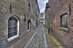 """Alley • <a style=""""font-size:0.8em;"""" href=""""http://www.flickr.com/photos/45090765@N05/8960684735/"""" target=""""_blank"""">View on Flickr</a>"""