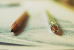 Macro. (palaabrasusadas...) Tags: bolgrafo pen pencil lapicero lpiz detalle macro zoom dibujo drawing boceto sketch papel paper profundidad de campo photoshop edicin edit editar