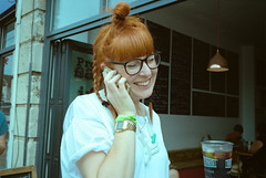 Artist Pitstop (Shot In The Street) Tags: streetphotography ginger leicam6ttl smile street upfest2016 2016 film colour specs portra candid artist bristol analogue redhead spectacles glasses leicam6 upfest kodak