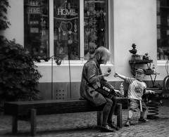 Bernkastel Streets (1mpl) Tags: olympusomdem1 travelphotography bernkastel germany streetphotography bw monochrome niksilverefexpro