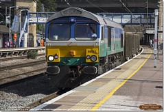 66711 Sence heads south through Huntingdon on 6O65, August 17th 2016 (Bristol RE) Tags: gbbt 66711 66 class66 sence 45201 huntingdon 6o65 gbrf