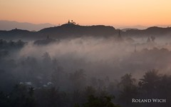 Mrauk U Morning (Rolandito.) Tags: pagoda fog mrauku morning birmanie sunrise birma rakhine birmania state ancient myanmar morgen burma stupa pagodas stupas mist