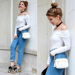 Mom jeans&off the shoulder top by Sylwia G., 28 year old girl from Warsaw, Poland (9lookbook.com) Tags: 90s bandana bikerjacket boyfriendjeans bun casual chic choker denimjacket denimskirt destroyed distressedjeans espadrilles eyeglasses gold goldbuttons harlempants high highwaist highwaisted jeans khaki lace leopard leopardprint longcoat lookbook militarygreen minimal momjeans mules offtheshoulder overkneeboots pastels patches pleatedskirt poland rippeddenim rippedjeans ruffles sandals shorthair spring summer sunglasses swimwear tanks tshirt waistbelt whiteshirt whitetop