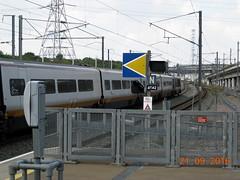 Another shot of Eurostar Train 9I33 waiting to depart from Ebbsfleet Intl Station. (DesiroDan) Tags: highspeed1 ebbsfleetinternationalstation eurostar eurostarclass373 class373eurostar tgvtmst uktrains ukelectricunits highspeedtrainsintheuk britishrailclass373