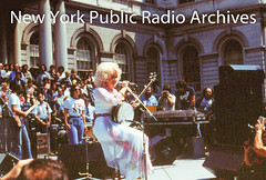 Dolly Parton's perfrorance in front of City Hall, Feb 21, 1978. (wnyc) Tags: broadcasting concerts events koched19242013 mayors musicians partondolly politicians radiostations singers wnycradiostationnewyorkny