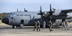 189th Airlift Wing FOD Walk (189th Airlift Wing Public Affairs) Tags: fod 189thairliftwing 189thaw 154trs og