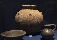 Cup, jar (olla) and jug from Tomb 4 at Via Madonna delle Grazie, Stabiae (diffendale) Tags: italy italia 6thcbce pleiades:findspot=433128 stabiae archaic museum museo muse   archaeological archeologico artifact display exhibit arkeoloji mzesi ancient antico tomb tomba grave burial human necropolis cemetery tombe tombeau spulture grab tumba sepultura