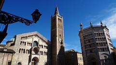 Parma (Italy) - Piazza del Duomo (Danielzolli) Tags: italia italy italien italie wlochy ital emilia romagna emiliaromagna parma parme duomo cattedrale kathedrale dom cathedral katedra battisterio baptisterium baptistery katedral catedral