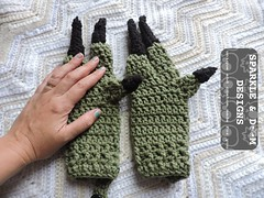 Dino Mitts Greg01 (zreekee) Tags: crochet sparkle doom designs sparkledoomdesigns saskatchewan mitts gloves handmade dinosaur toddler