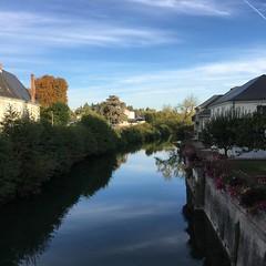 P20161012_093734859_2B5DCD79-B99B-467E-BC3C-837A4A9D895A (ji0405hye) Tags: 프랑스 로슈 일상 마을 france village loches cotidien liviere river campagne promenade