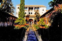 Palacio de Generalife, Granada. (Infinity & Beyond Photography) Tags: palacio de generalife palace building garden fountains granada spain