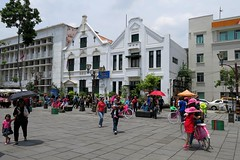 Colours of Jakarta #2 (soreen.d) Tags: jakarta indonesia sout east asia kota tua dtch colonial architecture people colours outdoor old town market place