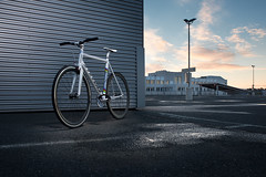 My Fixie (STEFFEN EGLY) Tags: park sunset rain bike shoot stevens ps singlespeed fixie fixedgear bluehour product fahrrad strobe blending parkingdeck produkt blitze berlagerung reflectiveumbrella