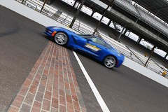 The Pace Car crosses the bricks (indianapolismotorspeedway.com) Tags: camera speed canon mark length mode rating eos1d 241 ivexposure 5focal 91iso 800metering 1320fnumber