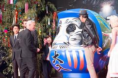 Independence Day: Resurgence Japan Premiere: Roland Emmerich, Liam Hemsworth, Jeff Goldblum & Maika Monroe (Dick Thomas Johnson) Tags: japan tokyo minato roppongi      roppongihills  roppongihillsarena  movie film premiere moviepremiere event   japanpremiere independencedayresurgence  rolandemmerich  jeffgoldblum   darumadoll daruma dharmadoll dharma