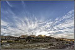 El paisaje es sobrecogedor (Fernando Fornis Gracia) Tags: espaa aragn navarra formacionesgeolgicas lasbardenasreales cielo nubes naturaleza airelibre paisaje landscape contraluz
