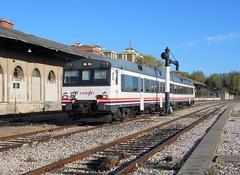 Renfe Regional en Cuenca (Pantoteatre) Tags: renfe 592 cuenca regional
