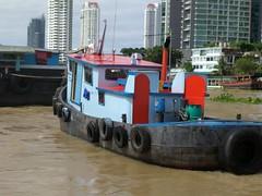 Tug Following (geraldm1) Tags: thailand bangkok tropics tropical asia thai chaophrayariver