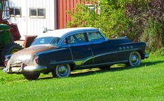 Antique Buick (ironmike9) Tags: marcellusny barn farm antique buick roadmaster