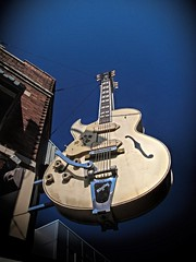Tremlo (Pete Zarria) Tags: tennessee sunstudios music records elvis cash lewis sign guitar famous