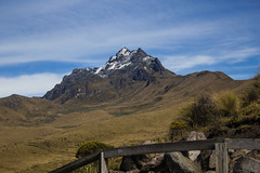 rucupichincha (edisonglvez) Tags: montaa trekking aventura blue cielo cieloazul paramo ecuador quito allyouneedisecuador fotografia foto azul hielo amigos friends