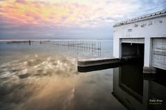 (305/16) La puerta de atrs (Pablo Arias) Tags: pabloarias photoshop nxd cielo nubes texturas arquitectura garaje agua laalbufera valencia comunidadvalenciana