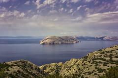 One of 1244 Islands (pwendeler) Tags: island insel pag kroatien meer mare ocean ozean himmel sky felsen rock blau blue kahl sea croatia outdoor landschaft landscape ufer kste mer isla karst karstlandschaft