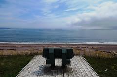 A fine spot to reflect in Cap-d'Espoir, Perc, Qubec (Ullysses) Tags: capdespoir capehope perc qubec canada gaspesie bench banc ocean mer summer te plage beach