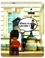 Where is Lester ? - Guard (Vanjey_Lego) Tags: lego minifig collectible serie uk unitedkingdom guard horseguard