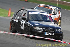 Harold Palin Memorial Rally 2016 - Mallory Park__0132_15-10-2016 (ladythorpe2) Tags: haroldpalinmemorialrally2016 organisedbyeastwooddistrictmotorclubmallorypark leicestershire16mikebaylissgawaineclarkbmwcompact classic historic motorsport blue white rs