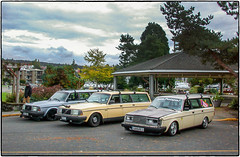 Volvo Wagons (NoJuan) Tags: volvo stationwagon volvowagon 995 nikoncoolpix995 vintagedigital