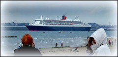 Queen Mary 2 departing Liverpool 17th May 2013 (Cassini2008) Tags: queenmary2 wirral newbrighton rivermersey