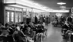 Chicago Midway Airport - Delta Airlines - Waiting Area (twa1049g) Tags: 1956 deltaairlines chicagomidwayairport