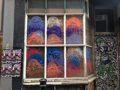 Windows (Frank Design Fotos) Tags: streetart graffiti bricklane spitalfields eastend eastlondon iphone hanburystreet